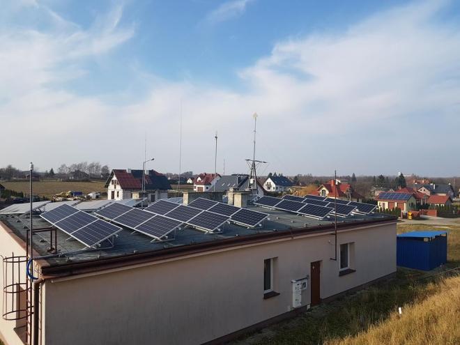 farma fotowoltaiczna na dachu